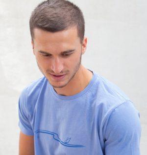Cala camiseta Mediterráneo skay blue fabricada en España calaalicante tienda independiente 30 aniversario regalos