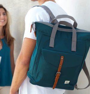 Cala mochila sostenible Océano verde calaalicante tienda independiente 30 aniversario