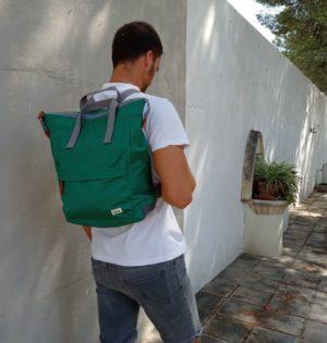 Cala mochila Océano fabricada con botellas de plástico calaalicante