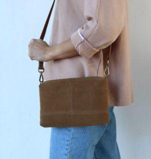 Cala bolso Almendra piel hecho en España calaalicante