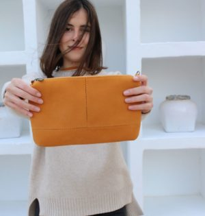 Cala bolso Almendra de piel hecho en España calaalicante caladesde1990