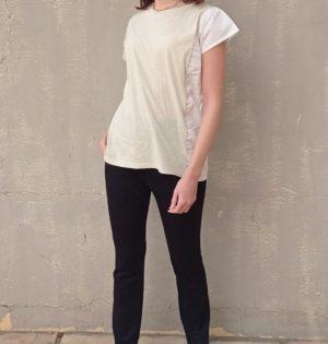 Cala camiseta especial beige y blanca nueva temporada calaalicante diseño español caladesde1990